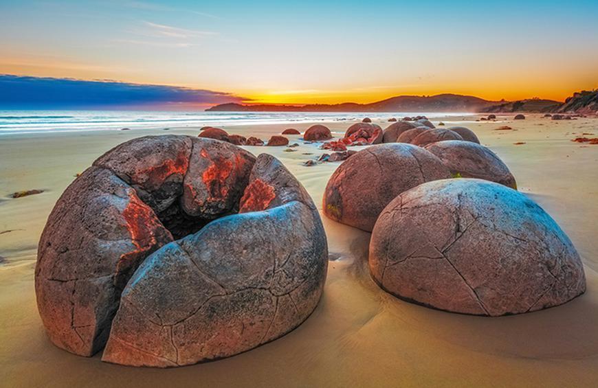 Валуны Моераки (Пляж Коекохе, Новая Зеландия)