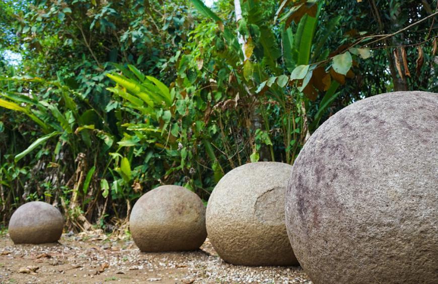 Каменные Сферы (Palmar Sur, Коста-Рика)