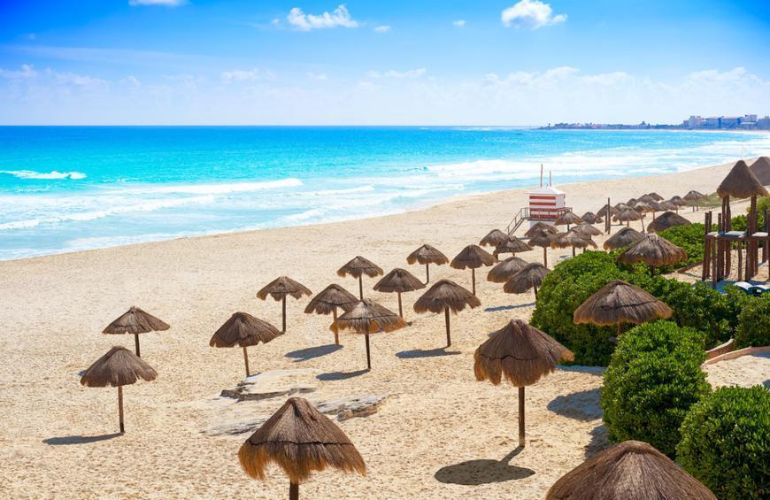 Playa Delfines (Cancún, Mexico)