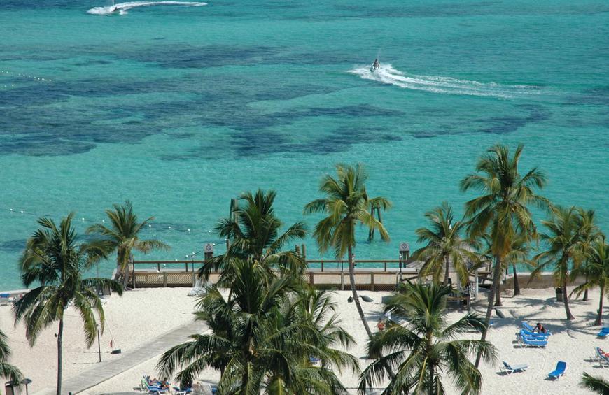Кейбл-Бич (Нассау, Багамские Острова)