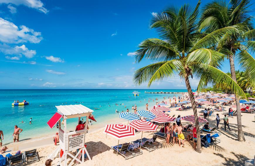 Пляж докторс-Кейв (Монтего-Бей, Ямайка)